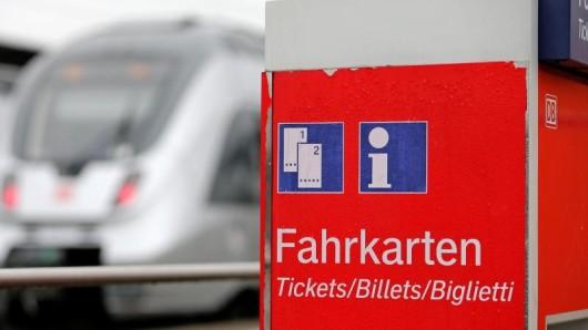Die Bahn will die in den vergangenen vier Jahren leicht gestiegenen Preise für Ferntickets ab Januar absenken.