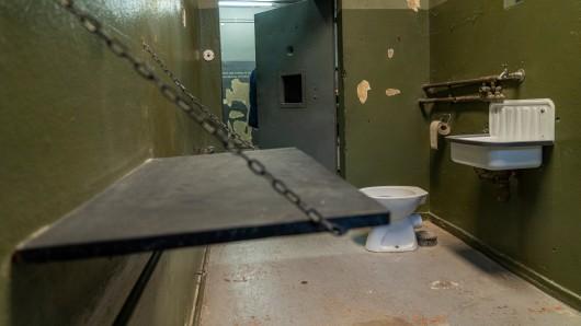 In Betzdorf hat ein Mann bei der Polizei randaliert und anschließend für eine richtige Sauerei gesorgt. (Symbolfoto)