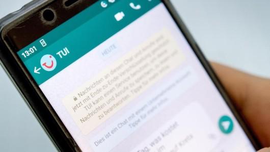 Neues Angebot: Mit demReiseveranstalter Tui können Urlauber jetzt über den Whatsapp-Messenger Kontakt aufnehmen.