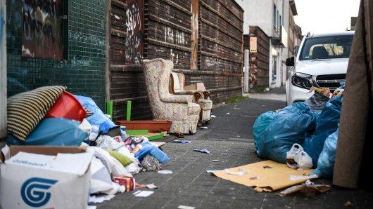 Duisburg: Eine wilde Müllkippe in Marxloh.
