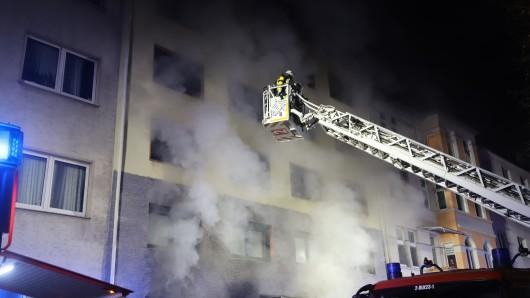 NRW: Der Rauch breitete sich sehr schnell aus, wodurch die Bewohner in ihren Wohnungen gefangen waren.
