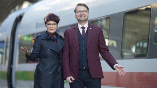 Die Bahn kleidet ihre Zugbegleiter, Servicemitarbeiter, Lokführer und Busfahrer neu ein. Der Entwurf stammt von Designer Guido Maria Kretschmer.