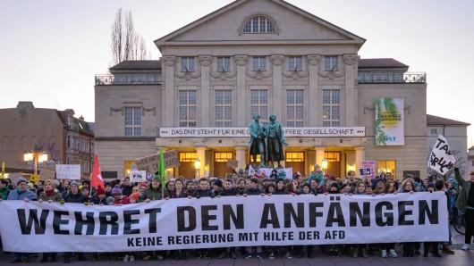Wehret den Anfängen: Tausende protestierten nach dem Wahl-Beben in Thüringen. Kann sich die Nazizeit wiederholen?