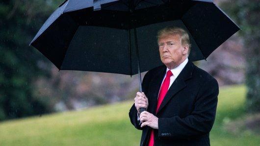 April-Wetter kann fies sein. Aber immerhin ist dann das Coronavirus verschwunden - behauptet US-Präsident Donald Trump.