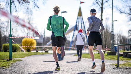 Die Sonne scheint, die Temperaturen werden milder: Jetzt ist die richtige Zeit, etwas für die Fitness zu tun. Jan Fitschen, Europameister für 10.000 Meter, gibt Tipps, wie der innere Schweinehund überwunden werden kann.