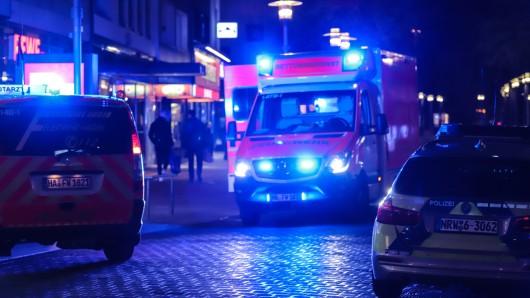 NRW: Ein 16-Jähriger wurde Opfer eines brutalen Messerangriffs. Wenig später stellte sich der Täter der Polizei.