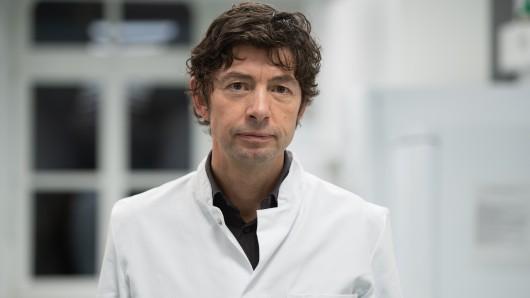 """Coronavirus: Virologe Drosten ist gar nicht zufrieden und warnt: """"Wir verspielen..."""