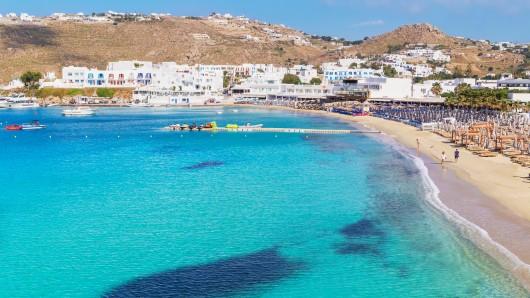 Urlaub in Griechenland: Die Polizei löste eine Geheimparty auf, die ausgerechnet SIE veranstalteten. (Symbolbild)