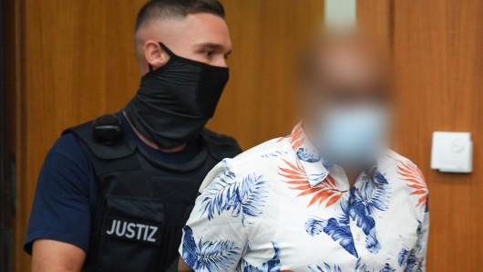 Frankfurt: Der Angeklagte im Prozess um den tödlichen Gleisangriff sagte vor Gericht aus.