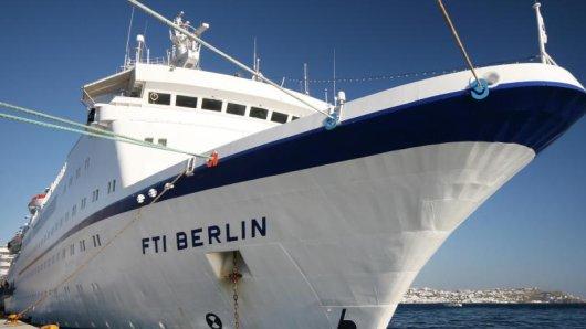 Das Kreuzfahrtschiff MS Berlin - besser bekannt als ehemaliges Traumschiff - wechselt den Besitzer und soll zu einer Megayacht umgebaut werden.