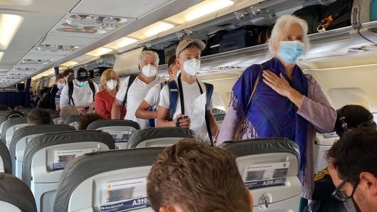 Lufthansa: Die Airline erlaubt nicht jede Art von Mund-Nasen-Schutz. (Symbolbild)