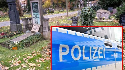 Ein Friedhofsbesuch in NRW endete für eine 90-jährige Seniorin beim Arzt. Nun ermittelt die Polizei.