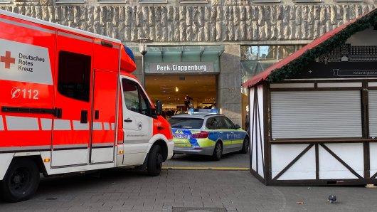 Polizei und Krankenwageneinsatz in der Essener Innenstadt.