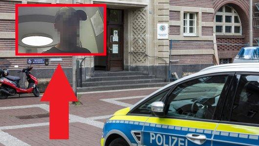 Oberhausen: Die Polizei sucht mit Fahndungsfoto nach einem Mann, der einen Patienten im Krankenhaus beklaut hat.