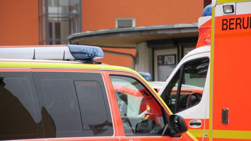 NRW: Straßenbahn-Unfall! Radfahrer lebensgefährlich verletzt