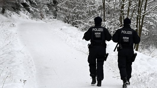 Die Polizei bereitet sich auf einen erneuten Ansturm auf die geschlossenen Skigebiete vor. (Symbolbild)