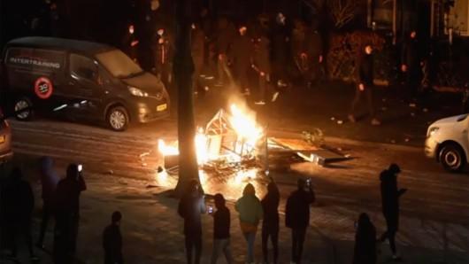 Die Niederlande im Chaos - wirkten auch deutsche Hooligans an den Protesten mit?