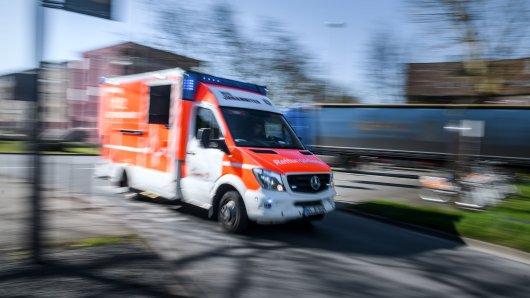 Dortmund: Ein vierjähriger Junge wurde bei einem Autounfall lebensgefährlich verletzt. (Symbolbild)