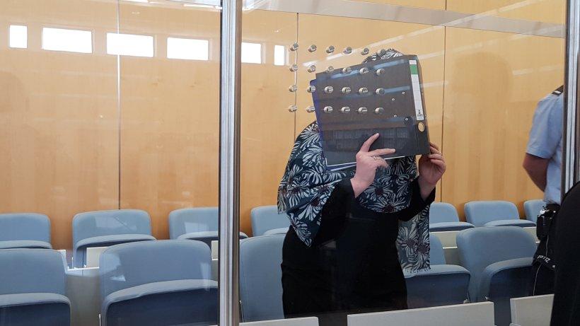 Düsseldorf: Prozess gegen IS-Rückkehrerin aus Leverkusen – die Anklage lässt erschaudern