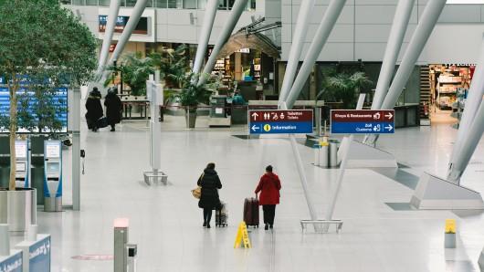Flughafen Düsseldorf: Am Sonntagmittag stand der Airport plötzlich still. (Symbolbild)