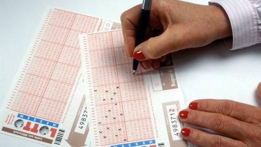 Lotto: Lotto: Eine Tante schenkte ihrem Neffen zum Geburtstag einen Tippschein, doch plötzlich wurde sie richtig dreist. (Symbolbild)