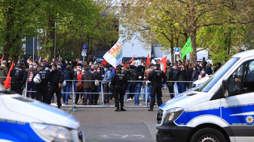 Essen: Aufgeheizte Stimmung am 1. Mai – Polizei meldet Ausschreitung bei Demo