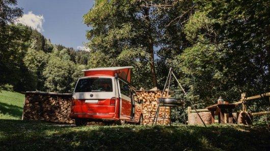 Übernachten unter dem Sternenhimmel: Auf der Plattform Nomady finden Reisende Naturcampingplätze, die von Privatleuten angeboten werden.