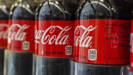 Coca Cola hat bei einem Produkt seine Rezeptur verändert. Das gefällt den Kunden gar nicht. (Symbolbild)