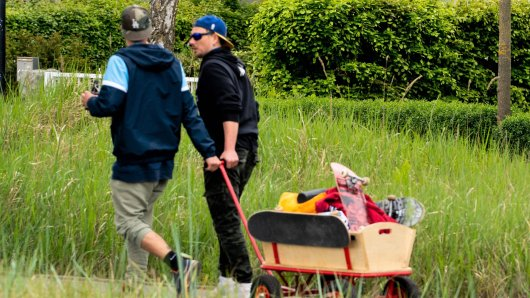 Das zweite Jahr in Folge steht der Vatertag in NRW im Schatten der Corona-Pandemie. Was ist am Vatertag 2021 erlaubt - und was nicht? (Symbolbild)