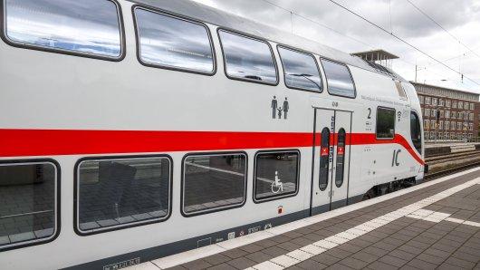 Die teuren Preise für ein Bahn Ticket von der Deutschen Bahn wollte sich diese Frau sparen. (Symbolbild)