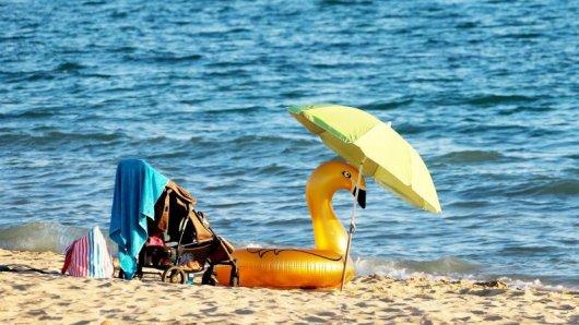 Das kühle Nass lockt: Rund um das Mittelmeer finden Urlauber angenehme Wassertemperaturen.