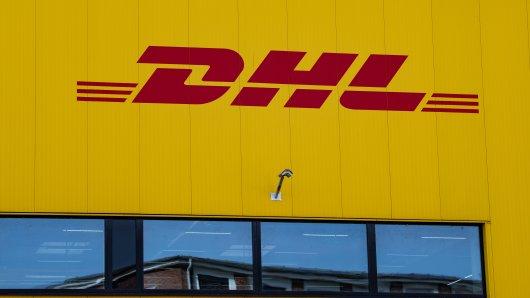 DHL: Vorsicht vor einer bestimmten SMS. (Symbolbild)
