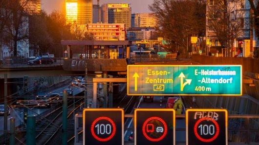 Die A40 ist ein zentraler Punkt der Stadt Essen  – deshalb gibt es nun eine temporäre Aussichtsplattform. (Archivbild)