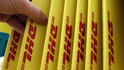 Kunden von Hermes, DHL und DPD in NRW sollten bei einer bestimmten Nachricht gut aufpassen. (Symbolbild)
