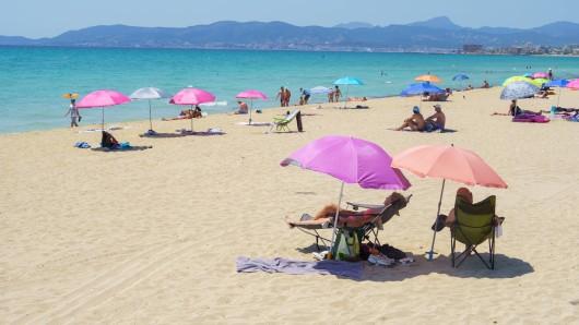 """Mallorca sagt """"Nein, danke"""" – eine bestimmte Urlauber-Gruppe solle lieber direkt zu Hause bleiben. (Symbolbild)"""