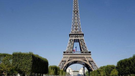 Über Monate musste der Eiffelturm geschlossen bleiben. Nun ist ein Besuch wieder möglich.