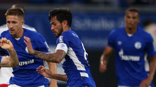Bitter Nachricht für den FC Schalke 04: Kapitän Danny Latza droht eine längere Verletzungspause.