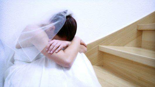Eine Braut erlebte auf ihrer Hochzeit ihren persönlichen Alptraum als sie ihr Geschenk überreicht bekam. (Symbolbild)