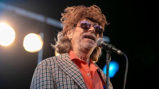 Helge Schneider brach spontan sein Konzert in Augsburg ab.