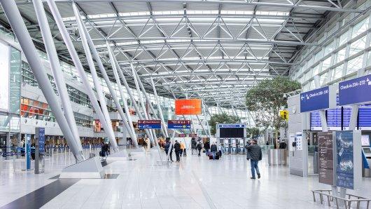 Flughafen Düsseldorf: Ein türkischer Reiseveranstalter erhebt schwere Vorwürfe gegen den Airport. (Symbolbild)