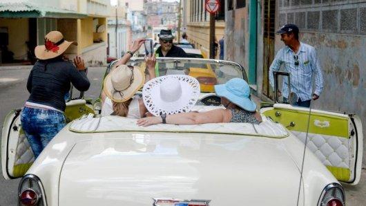 Straßenszene in Havanna: Ab November werden Reisen nach Kuba wieder einfacher möglich sein.