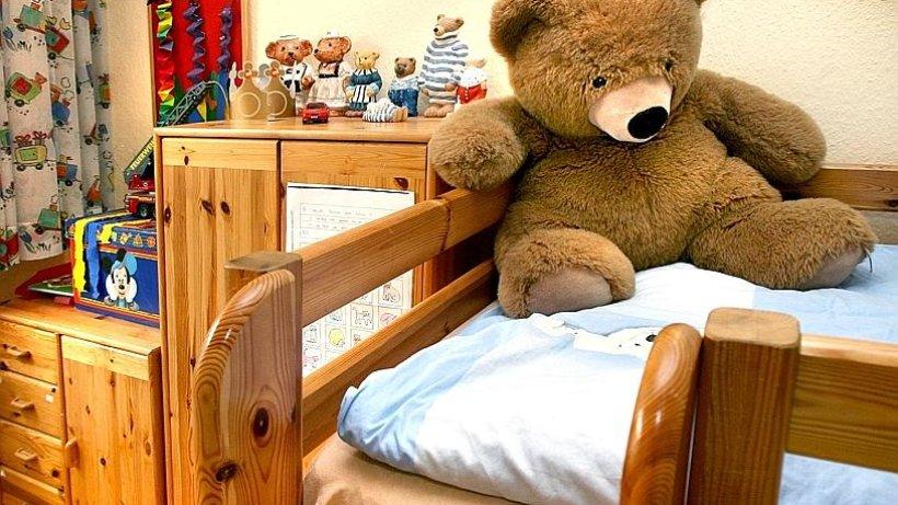 einrichtung kinderzimmer individuell aber strukturiert einrichten wohnen. Black Bedroom Furniture Sets. Home Design Ideas