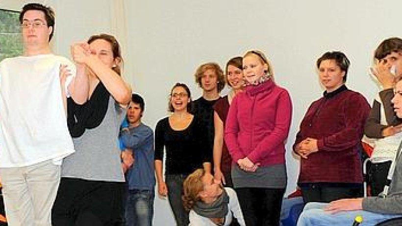 theater total tanzprojekt mit behinderten sch lern bochum. Black Bedroom Furniture Sets. Home Design Ideas