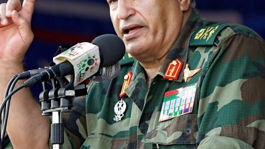 Die genauen Umstände des Todes des Rebellen-Kommandeurs Abdel Fattah Junes sind noch nicht bekannt.  ©  2011 AP. Photographer: Sergey Ponomarev/AP