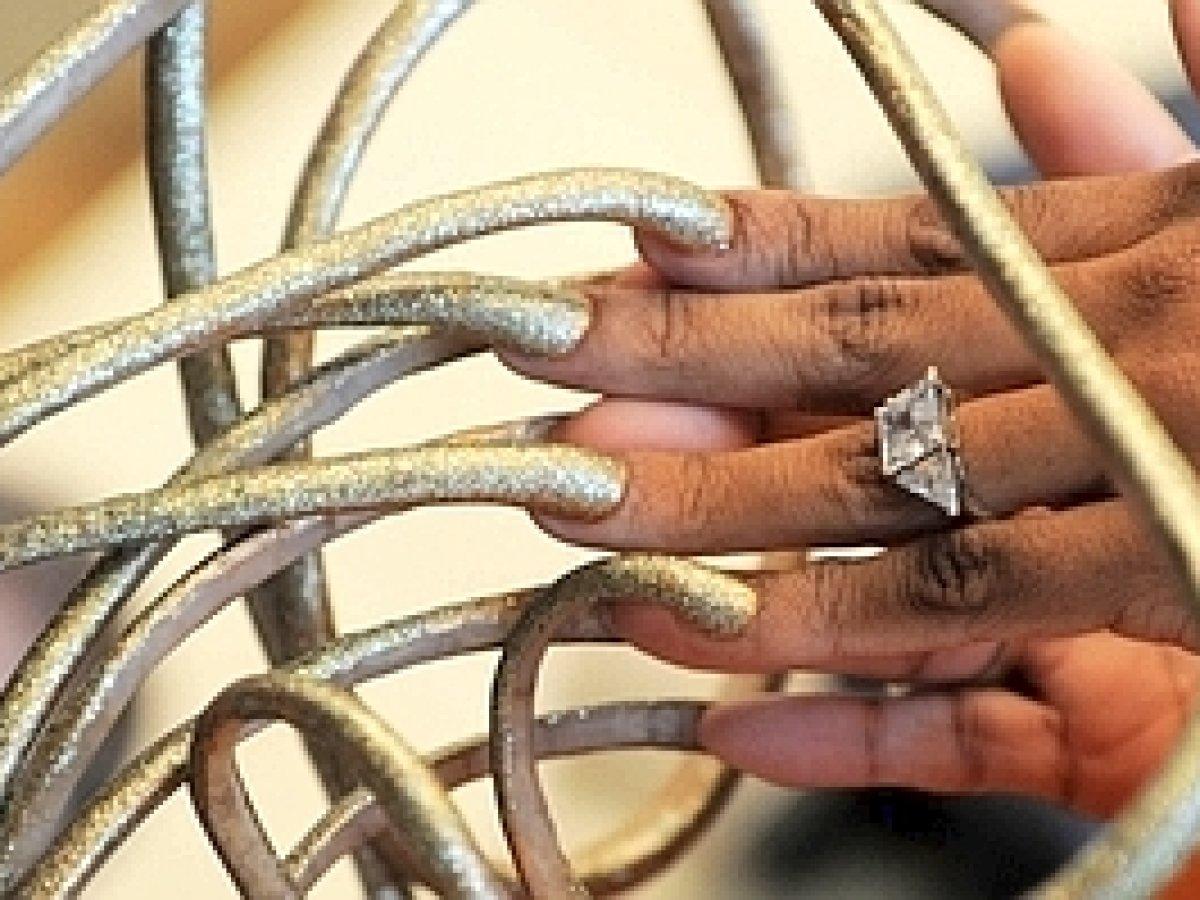 Fingernägel bilder lange extrem Fingernägel als