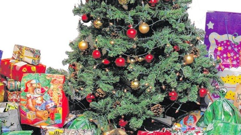 umfrage der weihnachtsbaum echt k nstlich oder gar. Black Bedroom Furniture Sets. Home Design Ideas