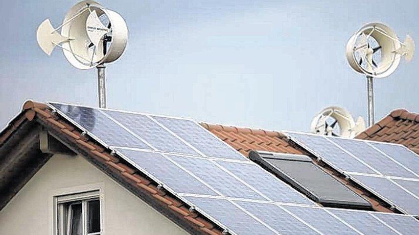erneuerbare energie windrad auf dem dach liefert den strom nachrichten aus soest lippstadt. Black Bedroom Furniture Sets. Home Design Ideas
