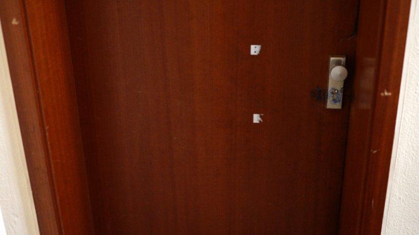 vermieter muss kaputte wohnungst r nach einbruch ersetzen wohnen. Black Bedroom Furniture Sets. Home Design Ideas