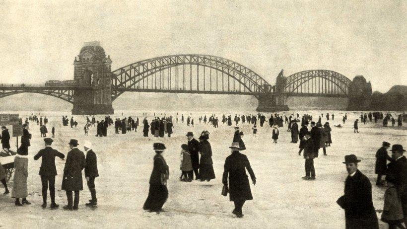 historische fotos - zugefrorener rhein