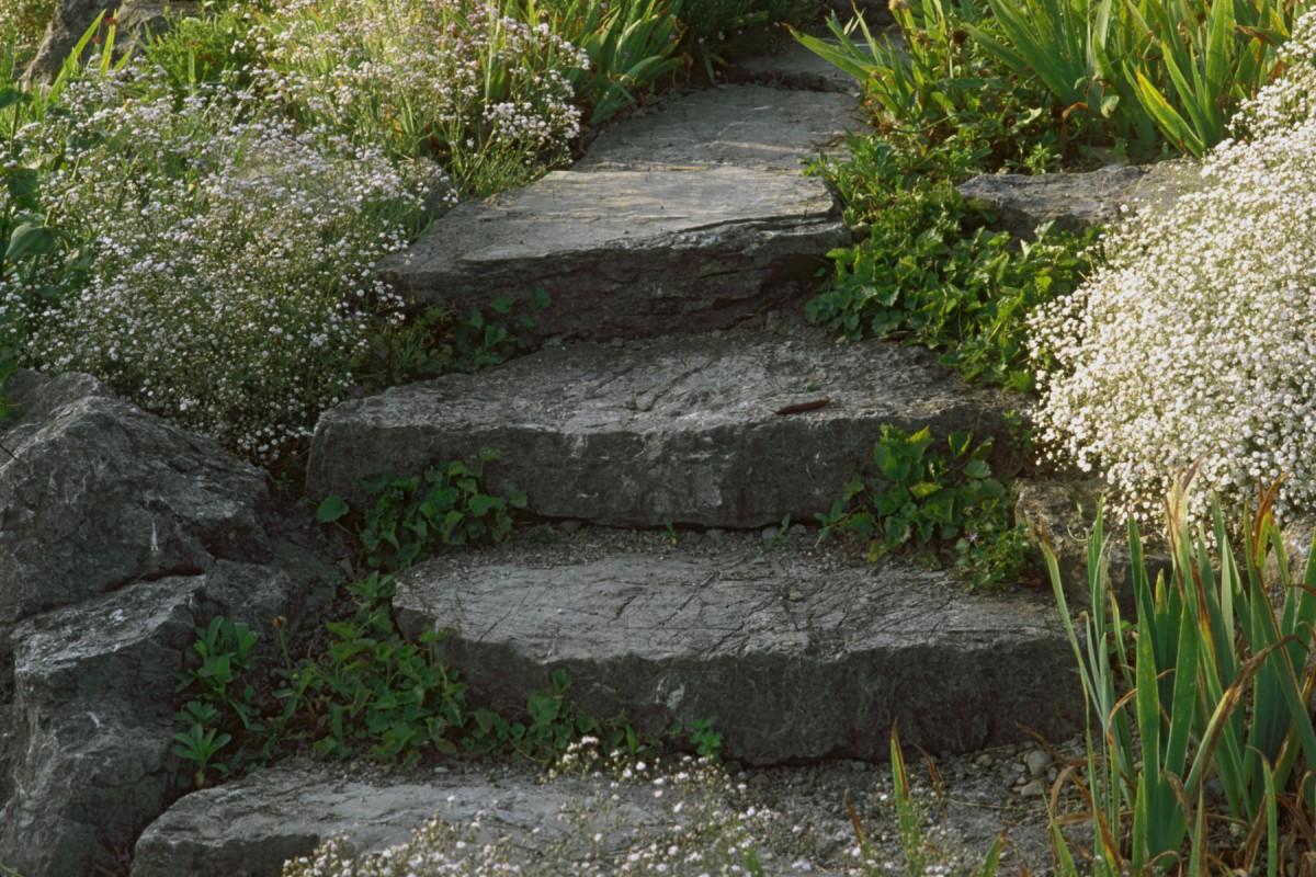 Heimwerker Konnen Treppen Im Garten Selbst Anlegen Mit Etwas Fachwissen Und Planung Derwesten De